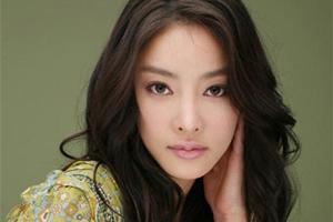 Ja Yun Jang s'est suicidée pendant la diffusion de Kkotboda Namja où elle tenait un rôle secondaire