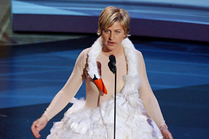 EmmyAwards-2001-EllenDeGeneres-300