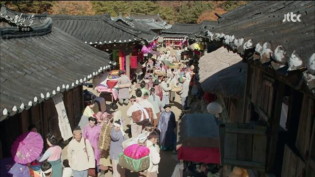 Hanyeodeul-Costumes-1-650