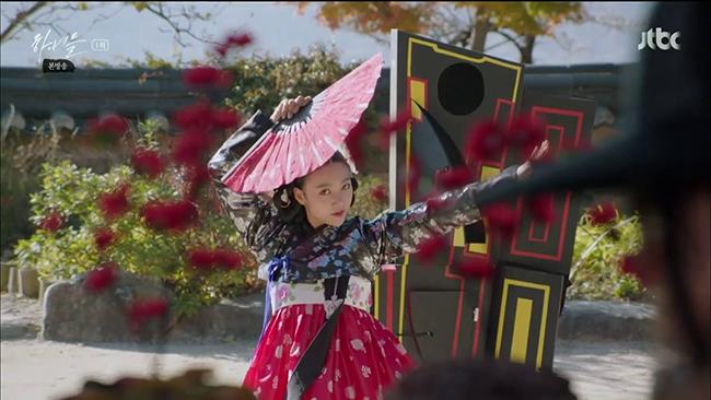 Hanyeodeul-Costumes-5-650