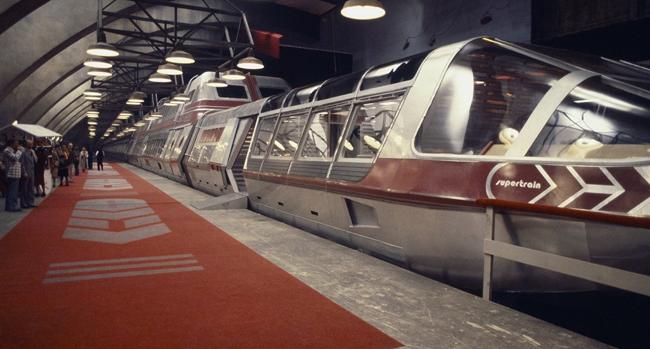 Supertrain-Gare-650