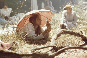 picnicathangingrock-movie-300